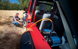 arb-onboard-twin-air-compressor-kit-in-car